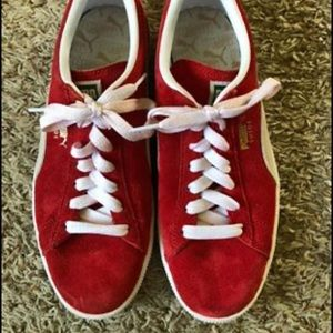 Womans Red Puma Tennis Shoes Size 6.